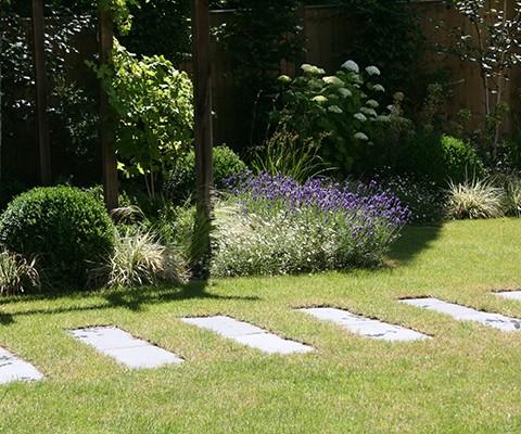 contemporary garden design, stepping stone pathway