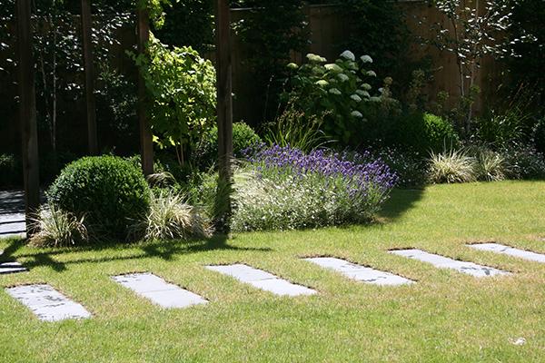 Contemporary garden design in wimbledon london sw19 for Stepping stone designs garden
